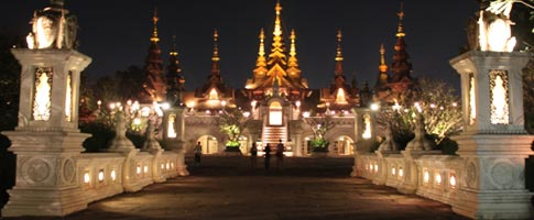 Chiang Mai City by night, car hire in Chiang Mai