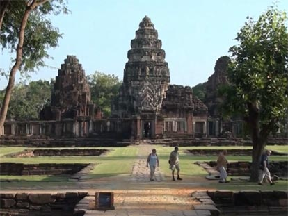 Prasat Hin Phimai is one of Thailand's largest Khmer temple
